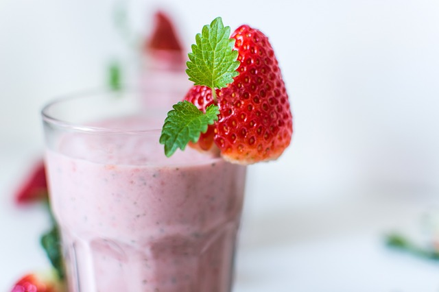 Strawberry Milkshake Without Ice Cream